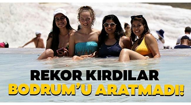 Denizli'nin dünyaca ünlü turizm merkezi Pamukkale, Ege sahillerini aratmadı!.