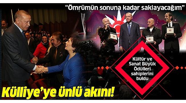 Başkan Erdoğan ödülleri kendi elleriyle takdim etti...